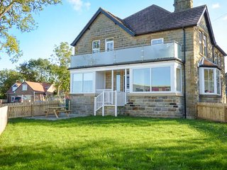 2D LOWDALE LANE, first floor apartment, private enclosed garden, WiFi, in - Sleights vacation rentals