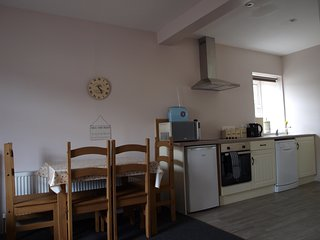 Bright Apartment in Dungloe with Internet Access, sleeps 5 - Dungloe vacation rentals