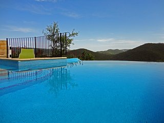 Gîte avec piscine chauffée et vue d'exception - Tuchan vacation rentals