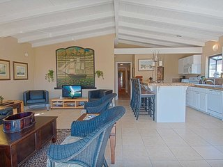 Bright House with Balcony and DVD Player - Newport Beach vacation rentals