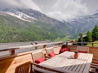 Bright 4 bedroom Saas-Fee Chalet with Television - Saas-Fee vacation rentals