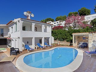 Detached Villa, Private Pool, Walk to Cafe & Bar´s - Puerto José Banús vacation rentals