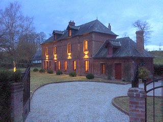 Stunning 5 bedroom French Manor house, Normandy with heated pool - Bacqueville-en-Caux vacation rentals