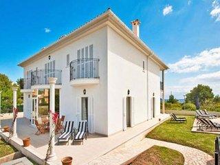 6 bedroom Villa with Washing Machine in Port de Pollenca - Port de Pollenca vacation rentals