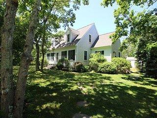 Beautifully decorated home close to Edgartown, beaches, bike path - Edgartown vacation rentals