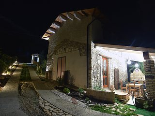 Nice Guest house with Deck and Television - Civitella del Tronto vacation rentals