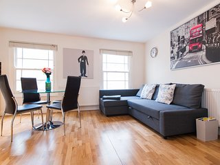 PERFECT LOCATION ANGEL FLAT SLEEPS 4!!#3 - London vacation rentals