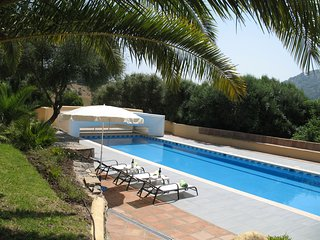 Stunning 5 bedroom Country Villa, huge 20m x 5m Pool, wonderful mountain views - Gaucin vacation rentals