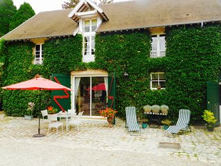 Unique house in a beautiful estate near Paris - Chantilly vacation rentals