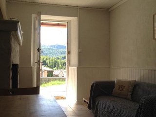 Cosy cottage with mountain views - Lavelanet vacation rentals