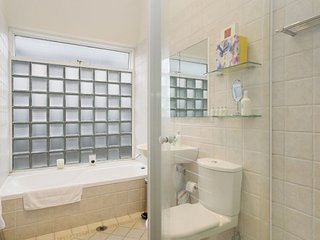 CLOVELLY Eastbourne Avenue (H) - Clovelly vacation rentals