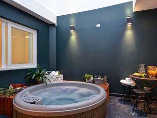 Mirage Suite, Oasis del Poblado - Medellin vacation rentals