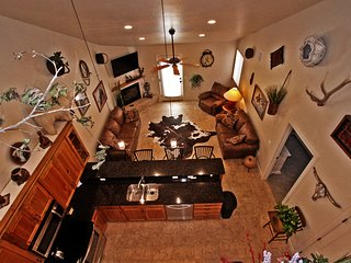 Bright 3 bedroom Apartment in Moab with Deck - Moab vacation rentals