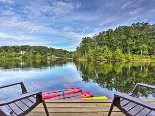 Expansive 3BR Waterfront Chalet in Innsbrook Resort w/Wifi & Huge Yard - Golf Cart, Boats, & Kayaks Provided! - Innsbrook vacation rentals