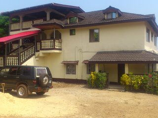 Quiet and safe 1-bedroom apartment Lakka Freetown - Freetown vacation rentals