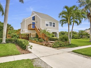 Perfect House with Internet Access and A/C - Marco Island vacation rentals