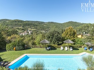Bright Villa with Satellite Or Cable TV and Washing Machine - Capodacqua vacation rentals