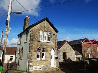 Old Parish Apartment in Llantrisant - Llantrisant vacation rentals