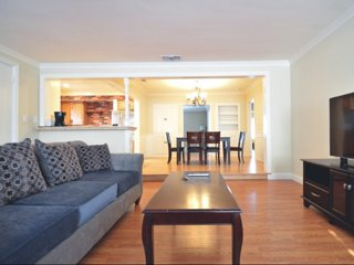 Furnished 2-Bedroom Townhouse at W Roses Rd & Milton Dr San Gabriel - Milton vacation rentals
