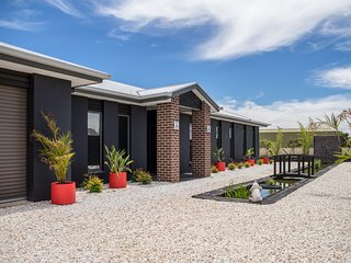Oriental Blend - Tranquil 5 Star Retreat - Tailem Bend vacation rentals