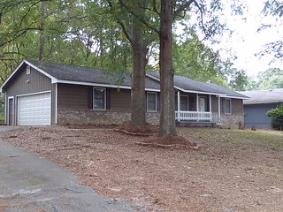 Great  Ranch  House .  Peaceful  and  Quiet Area - Ellenwood vacation rentals