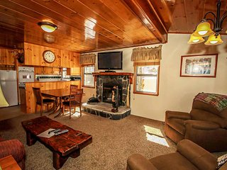 Perfect 3 bedroom Big Bear Lake House with Fireplace - Big Bear Lake vacation rentals