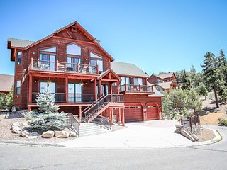 Tri-Level Luxury Lake View Cabin~Pool Table~Private Hot Tub~Gourmet Kitchen~ - Big Bear Lake vacation rentals