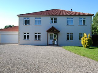 7 bedroom House with Internet Access in Grosbreuil - Grosbreuil vacation rentals
