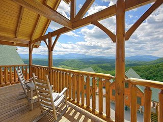 Amazing Views - 1 Bedroom pricing that sleeps 8 - 2 baths - Sevierville vacation rentals