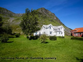 Charming 4 bedroom Leknes House with Parking - Leknes vacation rentals
