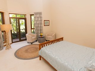 Beautiful 1 bedroom Mudgeeraba Private room with Deck - Mudgeeraba vacation rentals