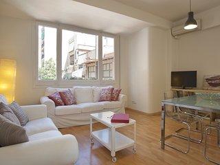 Chic Paseo Gracia Apartment 5 pax - Barcelona vacation rentals