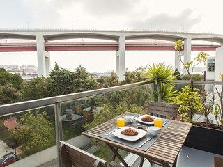 Ap w/ Amazing Tagus Views! - Lisbon vacation rentals