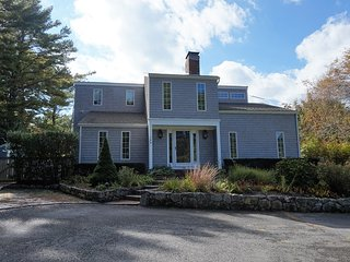 Bright 3 bedroom Osterville House with Deck - Osterville vacation rentals