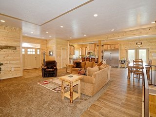 Dream Mountain Lodge - w/ hot tub, pool table - Heber City vacation rentals