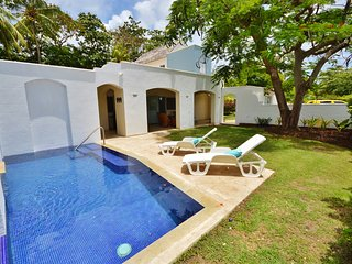 'Palm Tree Villa' spacious 4-bed home with pool - Sunset Crest vacation rentals