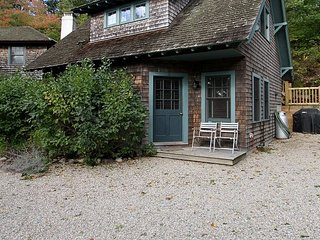 2BR, 1.5BA Bungalow in Provincetown - Stroll to the Bay, Dining & Town Center - Provincetown vacation rentals