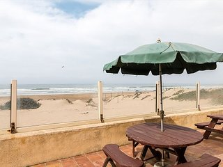 3BD, 2BA Oceanfront Home w/ Direct Beach Access, Fire Pit & BBQ - Oceano vacation rentals