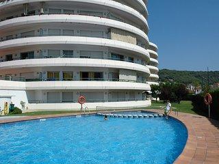 3 bedroom Apartment with Shared Outdoor Pool in L'Estartit - L'Estartit vacation rentals