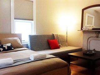 BEAUTIFUL House 2 BR/1 FullBath & 3 Parking Spots! - Somerville vacation rentals