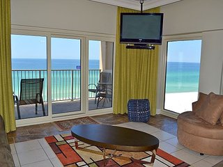Hard-to-find Gulf & beach front 3 BR w/2 pools, sauna, direct beach access - Miramar Beach vacation rentals