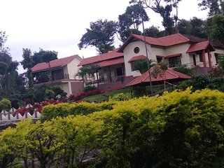 Estate Stay at Vaishnavi Estate - Virarajendrapet vacation rentals