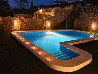 Villa Sitges La Pineda 1&2. 2 piscines. Une pour enfants. 2 Villas en 1. - Sant Pere de Ribes vacation rentals
