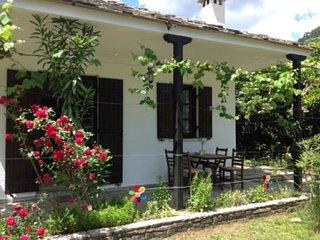 Beautiful 2 bedroom Villa in Golden Beach - Golden Beach vacation rentals