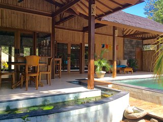 Romantic 1 bedroom Gili Meno House with Deck - Gili Meno vacation rentals