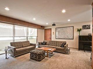 HomeSuite: Executive Condo In Downtown Palo Alto - Palo Alto vacation rentals
