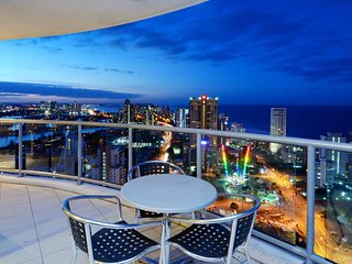 LEVEL 38 AMAZING OCEAN AND HINTERLAND VIEWS a2382 - Surfers Paradise vacation rentals