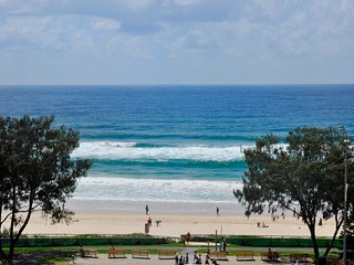 HUGE APARTMENT FOR 8 GUESTS OCEAN VIEWS a 224 - Surfers Paradise vacation rentals