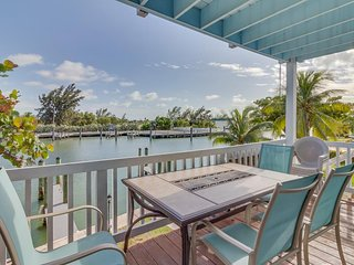 Waterfront home w/ a docks perfect for fishermen - manatees spotted in fall! - Marathon vacation rentals