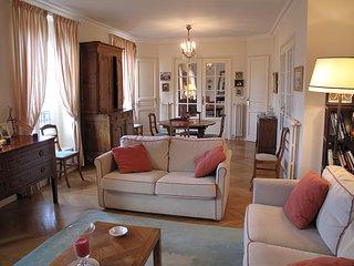 Prestige Saint Germain Vavin - Paris vacation rentals